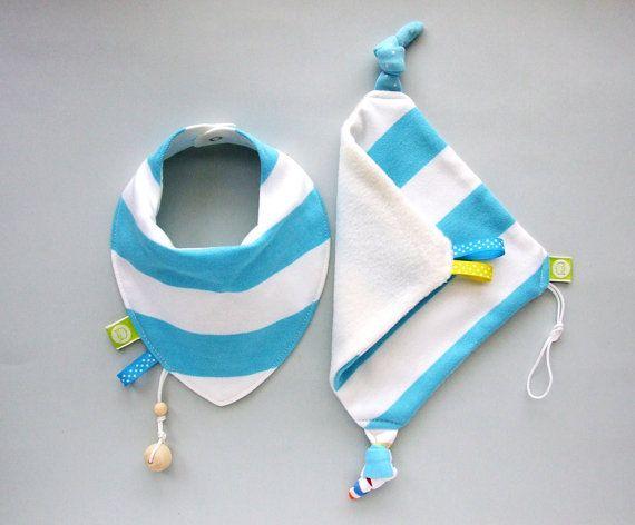 Dribble bib and Baby Comforter Set Baby Shower 1st Birthday Gift Bandana Drool Teething Bib neck scarf Baby calmer Teething accessory