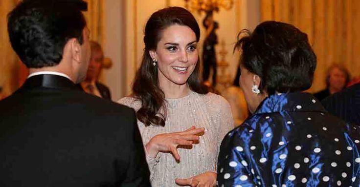 Herzogin Kate trägt die schönsten Glitzerschuhe! #News #Fashion