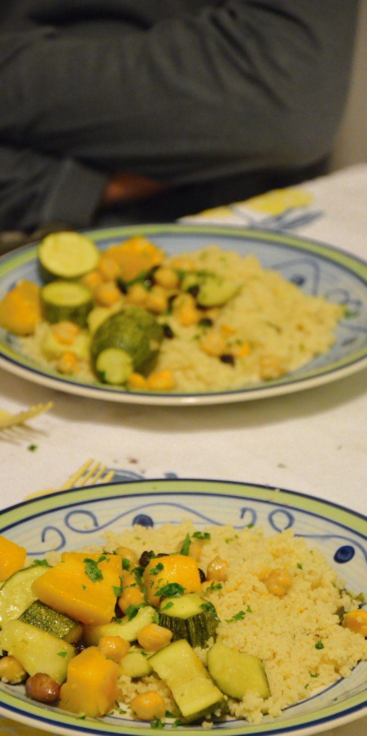 Cus cus con zucca, zucchine, ceci e uvetta