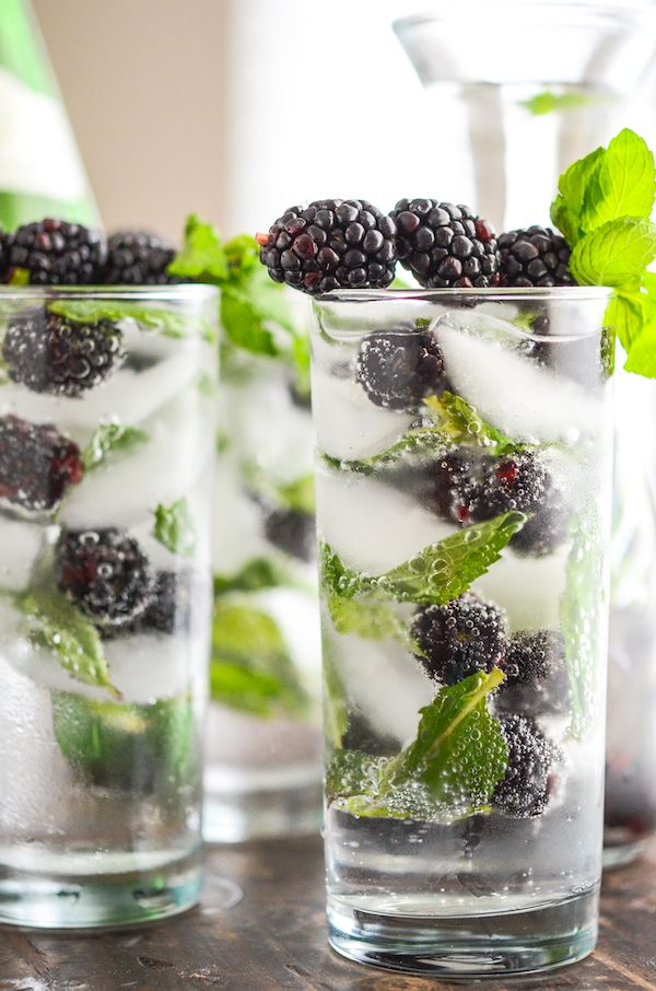 Sparkling Blackberry Mint Aguas Frescas! #Recipe #Mocktail