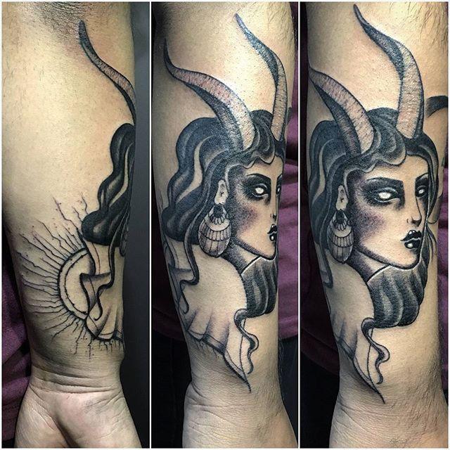 TATTOO X @lart_franFacebook : Fran Rubiomail : franrubio.tatuajes@gmail.comWWW.BLACKCROWN.CL/TATTOOSANTA MAGDALENA 41 LOCAL 17.PASEO DE LA VILLA.A PASOS DEL METRO LOS LEONES !!! Lunes a Viernes de 11:00 a 20:00 Hrs.Sábados de 11:00 a 15:00 Hrs.#blackcrown #blackcrownchile #chile #chiletatuajes #chiletattoo #tattoo #tatuajes #santiago #providencia #scl #ink #instachile #tatuador #tattoochileno #sullenartcollective #sullen #sullenchile #sullenfamily #art #tattooart #lettering #inked #inkedup…