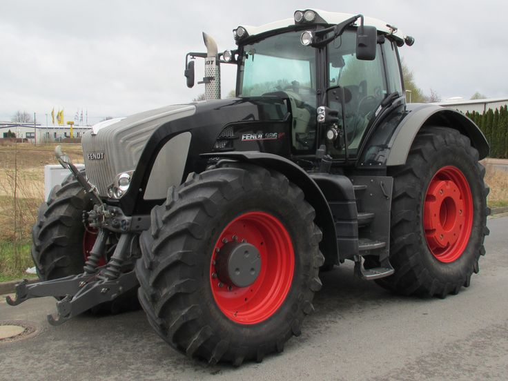 Fendt 936 Vario Profi Traktor von Baujahr 2009 mit 360 PS. Weitere Fendt 936 Vario Traktoren: http://de.tec24.com/c-10100/m-fendt/t-936-vario