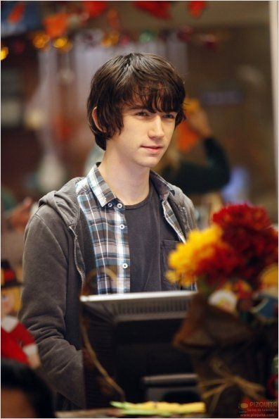 Liam Aiken (portrayed Klaus Baudelaire on A Series of Unfortunate Events) :) He's so....*sigh* AWESOME!!!