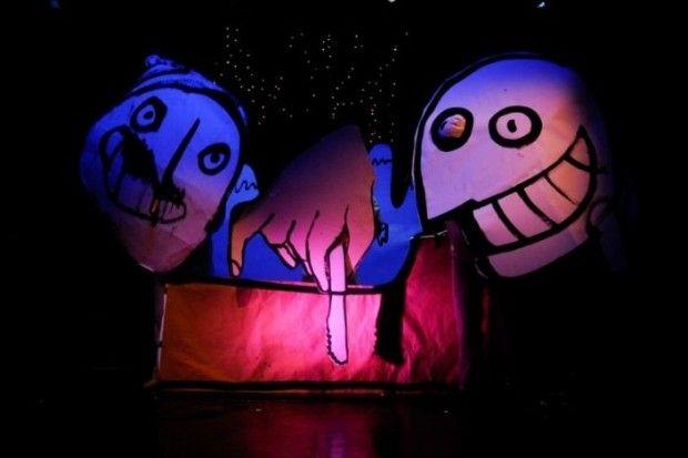 """Jerzy i Henryk są głodni. Phill również, a nie ma co jeść. No niezupełnie nie ma... Premierę makabreski """"Sznycel górski"""" autorstwa Rolanda Topora w reżyserii Michała Derlatki zaprezentowano w Sopockiej Scenie Off de BICZ 1 października."""