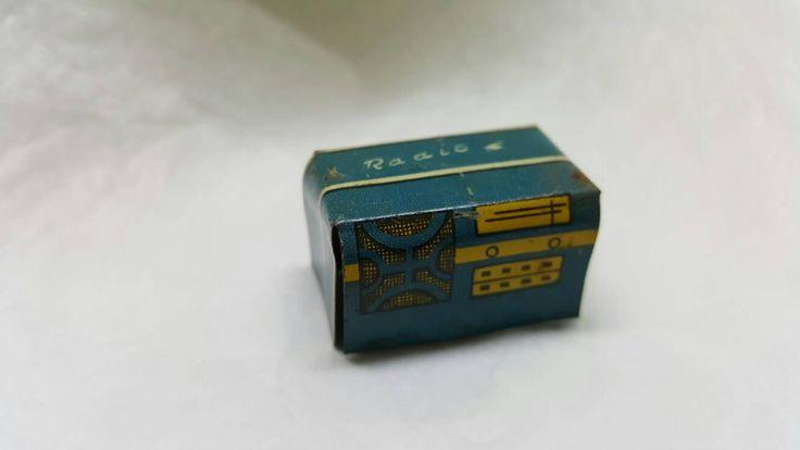 Louis Marx Tin Litho Radio Old Style Dollhouse Toy Furniture Play set #louismarx #dollhouseminiatures