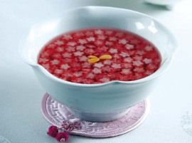 Omija-hwachae: A delicious berry herbal tea common in Korea