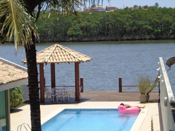 Casa Temporada em Olaria: Luxuosa casa de praia com piscina, espaço gourmet, sauna, deck para lancha 50p