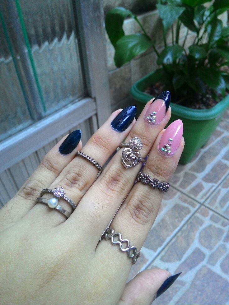 05.17 Dark blue and nude nails ❤