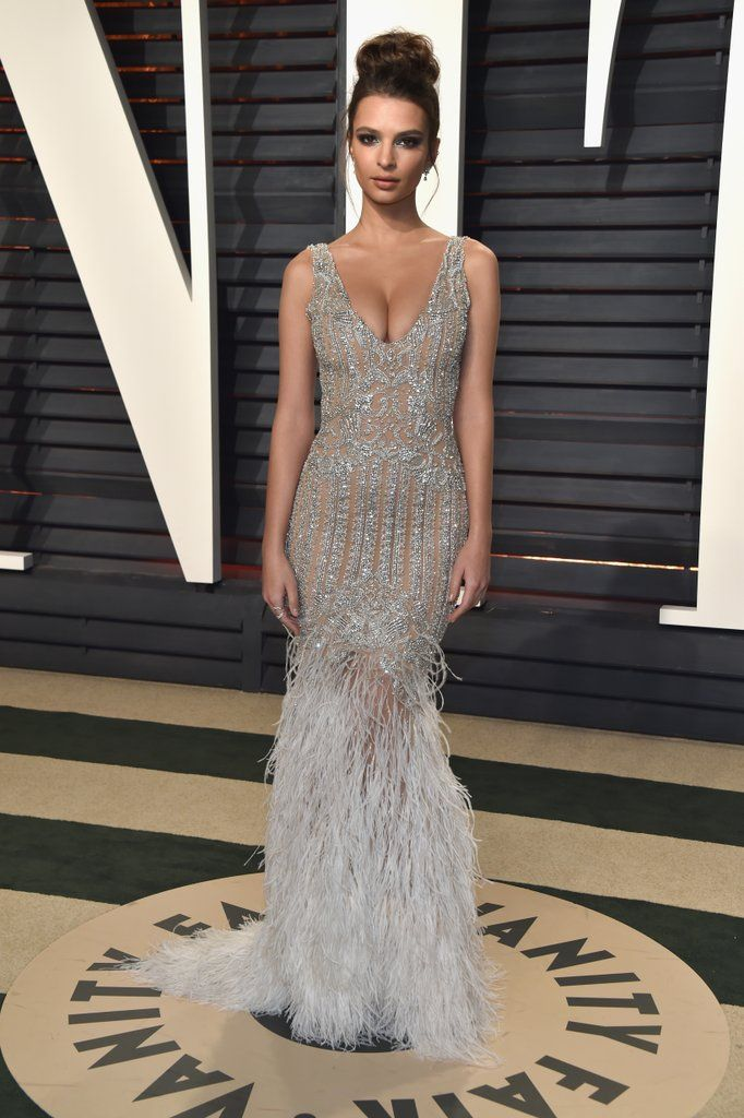 Emily Ratajkowski in Jonathan Simkhai and Arzano jewels, 2017 Vanity Fair Oscars Party