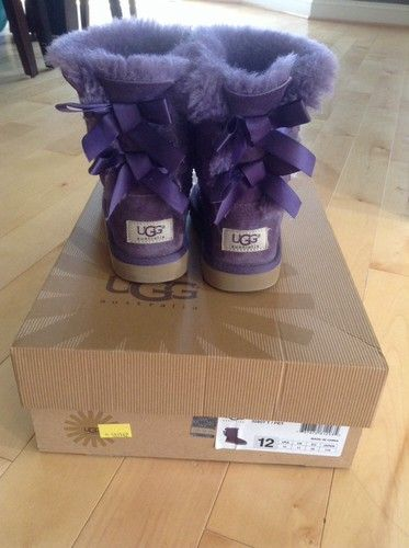 girls ugg boots size 12. oooo so want these in like white or red :3