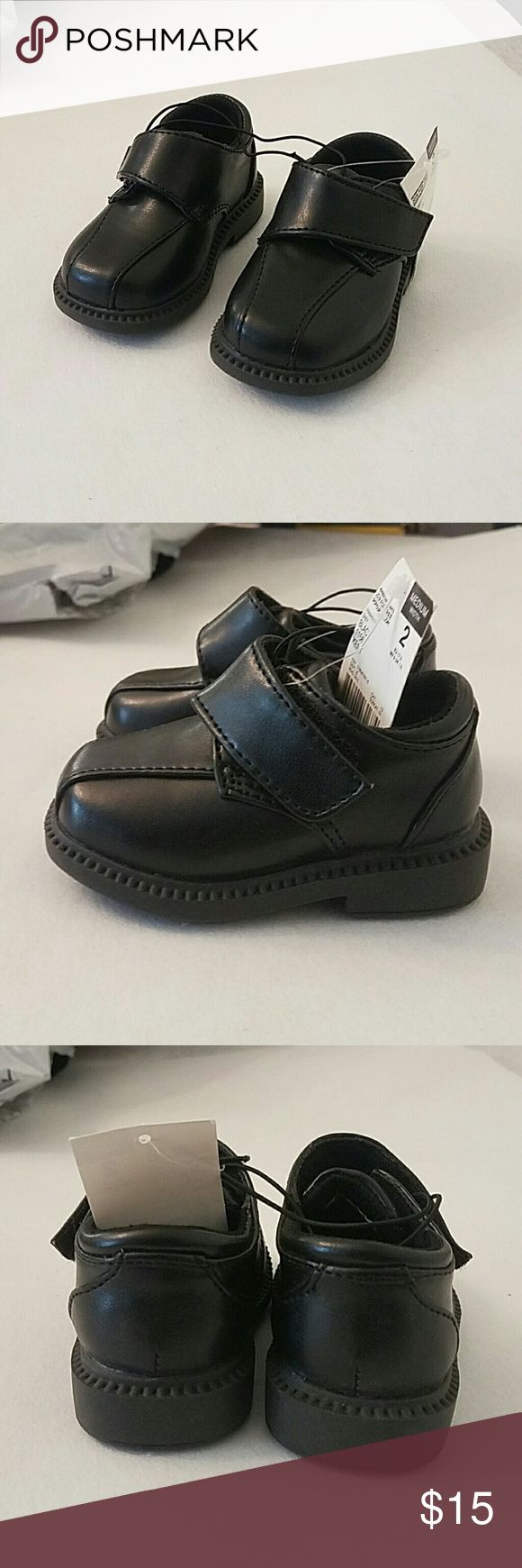 NWT Toddler Boys Black Velcro Dress Shoes Size 2 These shoes were never worn. Were brought for my child but forgot about them. Have a velcro strap for a secure fit. They are the medium width. No scuffs or wear marks. Perfect for this up coming holiday season! A toddler size 2. Tags: toddler baby kids boys dress shoes black velcro Route 66 Shoes Dress Shoes