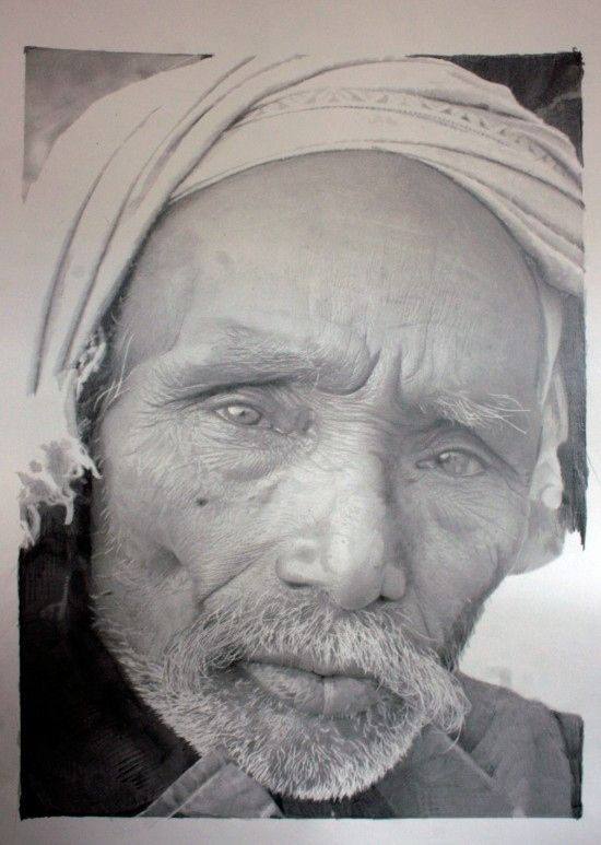 Scottish artist, Paul Cadden, uses graphite and chalk to create these meticulously detailed portraits