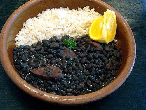 La feijoada una de los platillos típicos y mas deliciosos de Brasil.