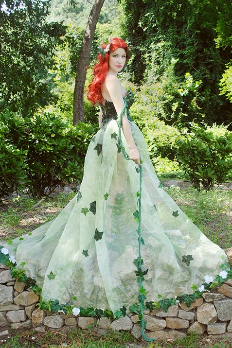 Costumes for Redheads - Poison ivy ~ Avant Geek