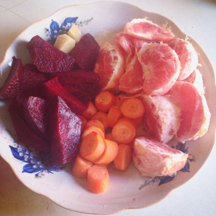 #farfuriaioanei #sfeclarosie #grapefruit #morcov #ghimbir #fresh #juice #freshjuice #morningjuice #energydrink