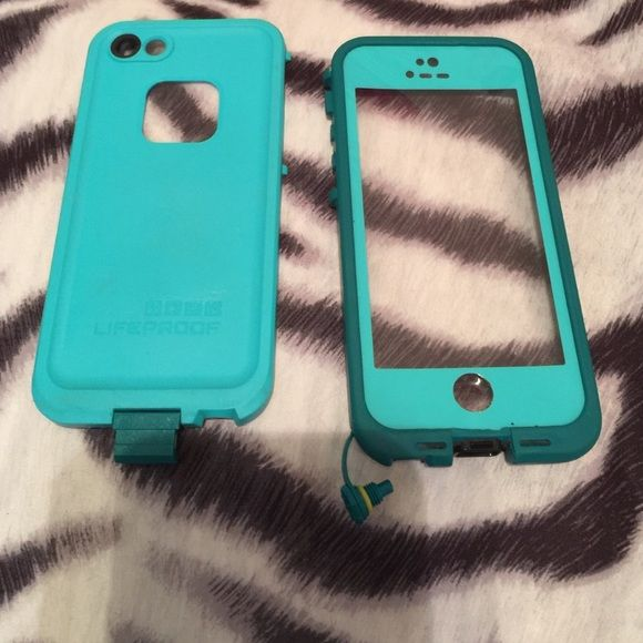 iPhone 5/5s life proof case - Turquoise Gently used life proof case, but still waterproof! this case was fantastic, last placed used was in San Diego at the beach. I upgraded to an iPhone 6 Plus so I no longer need this case! There is one small dent in the bottom right of the case, and the home button area is slightly worn, but the case is still in great condition! LifeProof Accessories Phone Cases