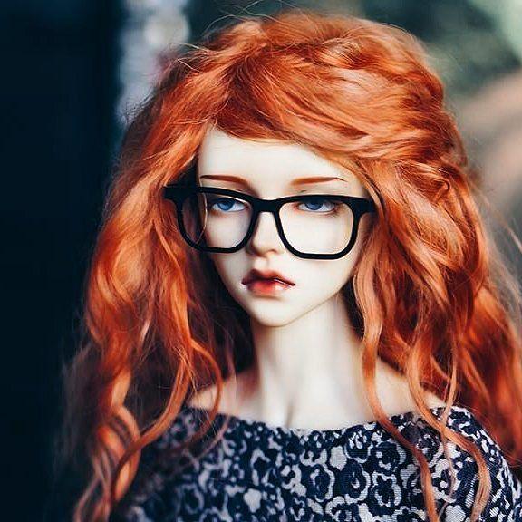 wig for doll. Очень красивая кукла. И скромно мой парик для нее. По-моему отличный образ получился. Спасибо, что присылаете фото 🤗👍 Заказы на изготовление париков принимаю 🤗🤗🤗 Цвет, размер, длина волос любые ☀☀☀