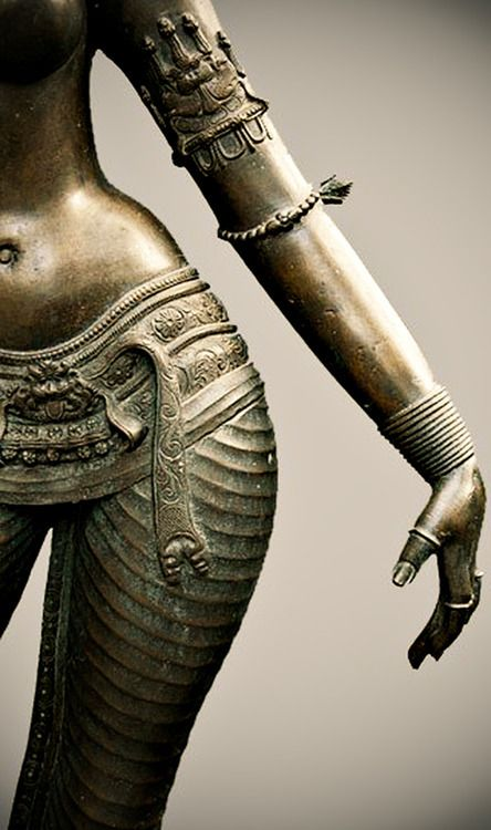 Indian Chola statue bronze (10-12th century).