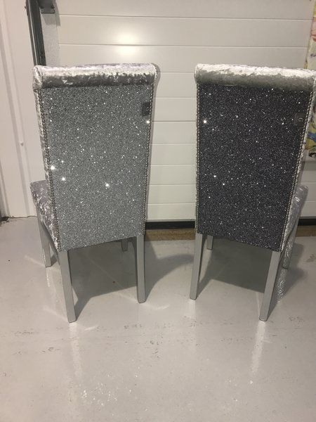 Best 25 glitter furniture ideas on pinterest glitter for Dining table dressing ideas