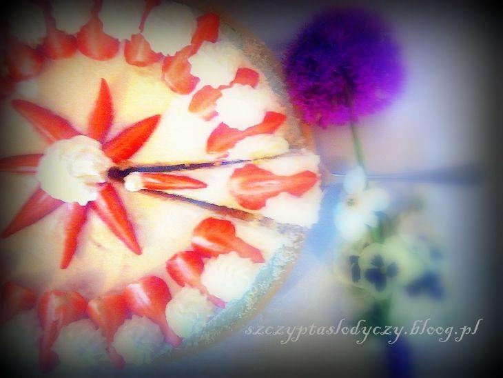 Tort kokosowo- truskawkowy PRZEPIS