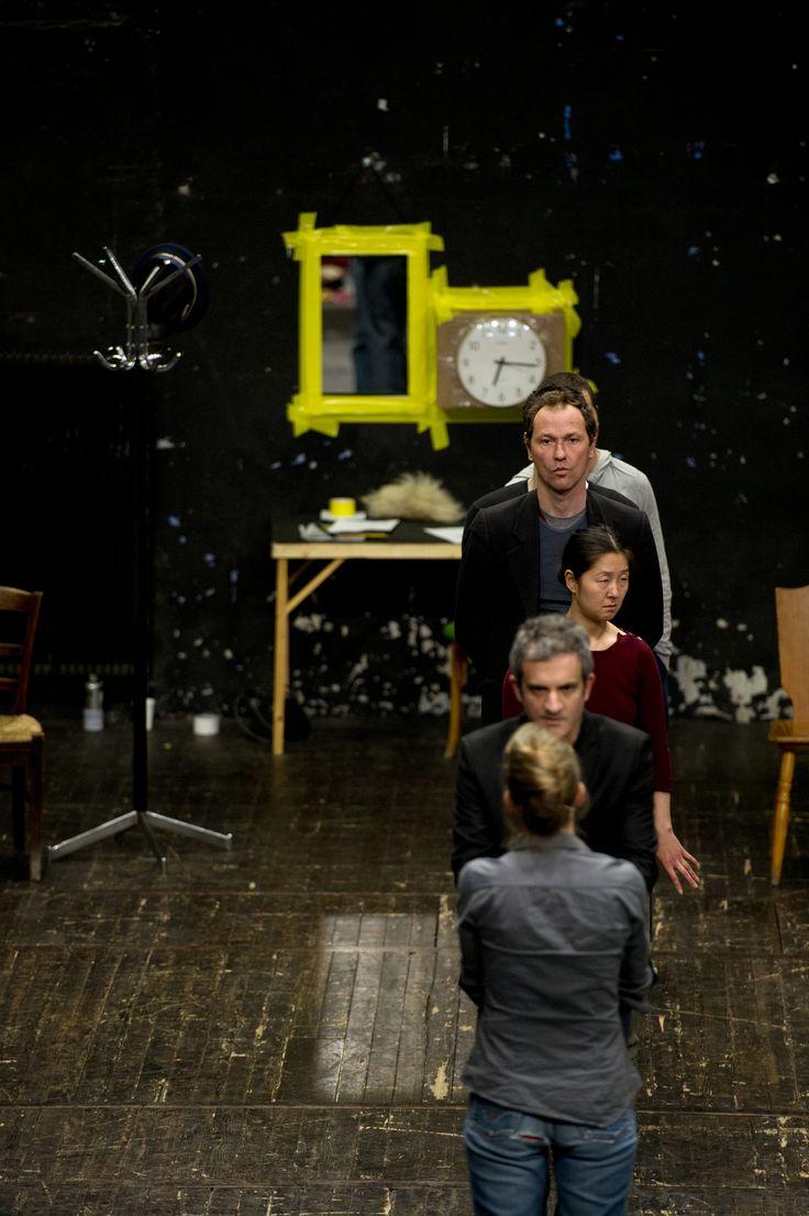 Antiteatre, par la Compagnie Gwenael Morin. Le 15 octobre à la salle Jacques-Brel. Du théâtre dans la panique! photo : Marc Domage