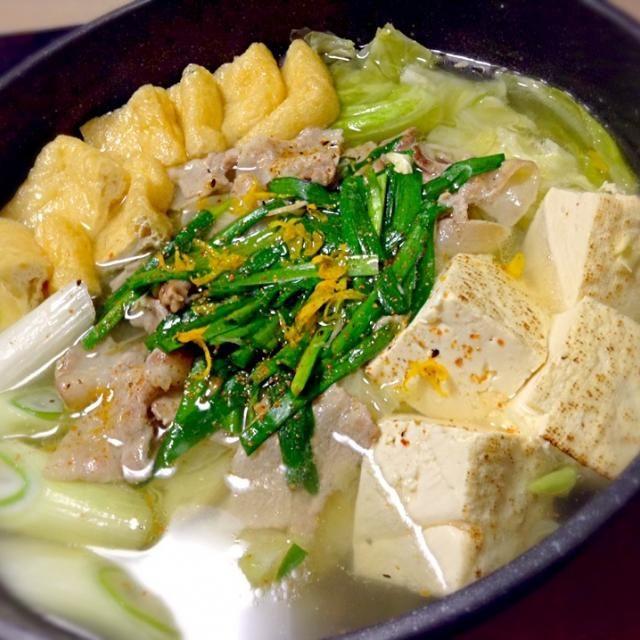 男子ごはん鍋です。 - 3件のもぐもぐ - 豚バラとキャベツの塩にんにく鍋 by hirokakoyama