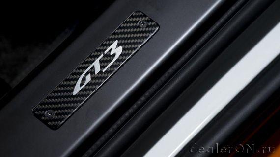 Эмблема GT3 на дверных порогах Aston Martin Vantage GT3 / Астон Мартин Вантаж GT3