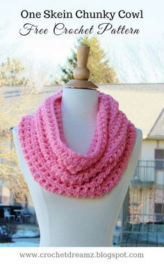 Use this crochet pattern to make a cowl from one skein of chunky yarn