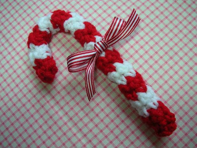 Free Christmas Candy Cane Ornament Crochet Pattern