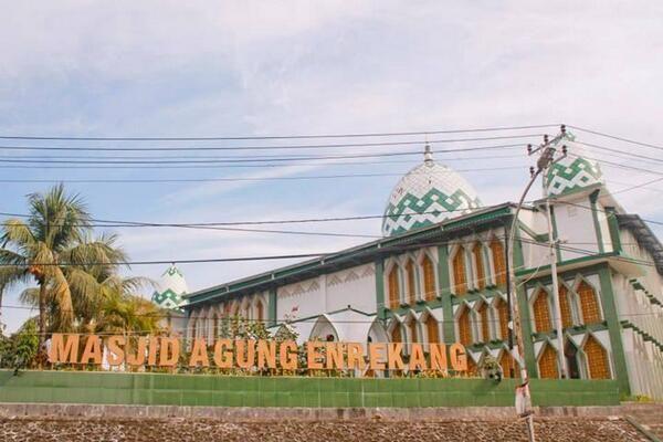 Masjid Agung Enrekang :D