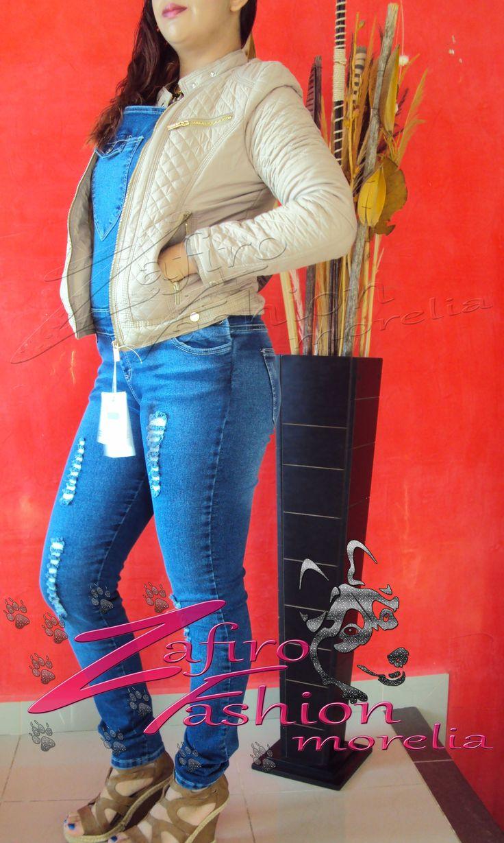 Cazadora beige marca Palomares encuentrala en facebook en Zafiro Fashion Morelia o en instagram en @steff_zafirofashion o contactanos via whats: 4432429263 #zafirofashionmorelia #ilovezafiro #CazadoraPalomaresBeigeAfelpada #OverolAndrea #PlataformaCamelAndrea
