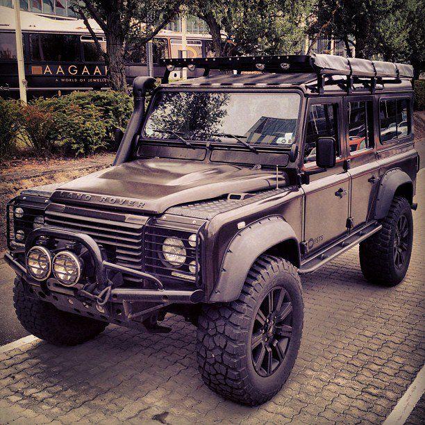 #Defender -Land Rover