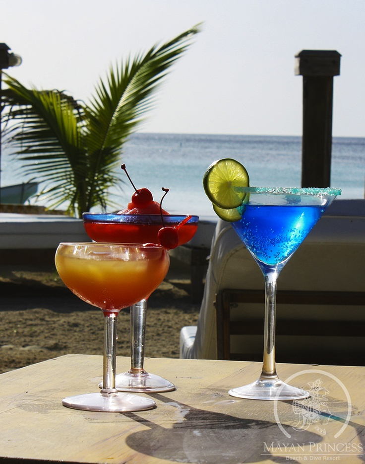 cocktails + beach = relax
