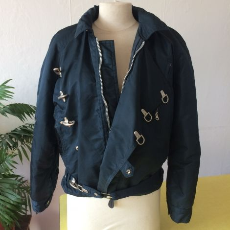 Je viens de mettre en vente cet article  : Blouson Schott 59,00 € http://www.videdressing.com/blousons/schott/p-6027024.html?utm_source=pinterest&utm_medium=pinterest_share&utm_campaign=FR_Femme_V%C3%AAtements_Manteaux+%26+Vestes_6027024_pinterest_share