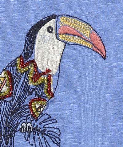 LE T-SHIRT BRODÉ AVEC PERLES :                     Nouveauté ! Ce produit est au même prix du 2 au 14 ansOn connait des girls qui vont adorer les toucans brodés avec les perles ?            LE T-SHIRT, col rond, manches courtes, broderies, perles.