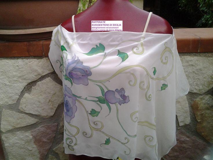 Kaftani e bluse in seta dipinte a mano dall'artista palermitana Anna Albano