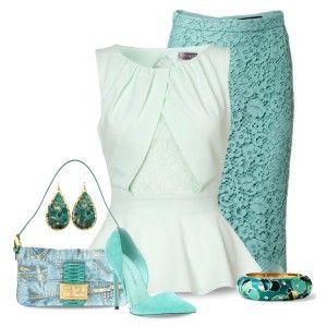 Голубые туфли, голубая ажурная юбка, светлая блузка с баской, сумочка с цветным принтом, ярко-голубая бижутерия
