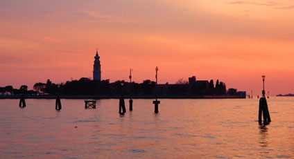 Venezia, silenzio e rose. The islands of the lagoon on www.italytraveller.com