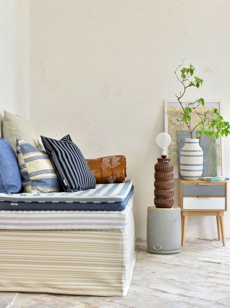 summer vibes | a daybed is the perfect transitional piece of furniture - from a sofa to a bed | Bemz covers a myriad of mattress and daybed covers | beachy boho vibes |