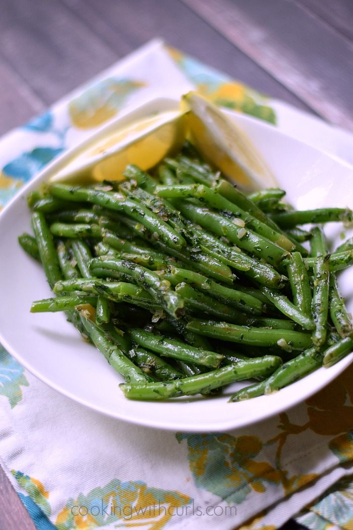 French Green Beans {Haricot Verts} | cookingwithcurls.com | #french #sidedish