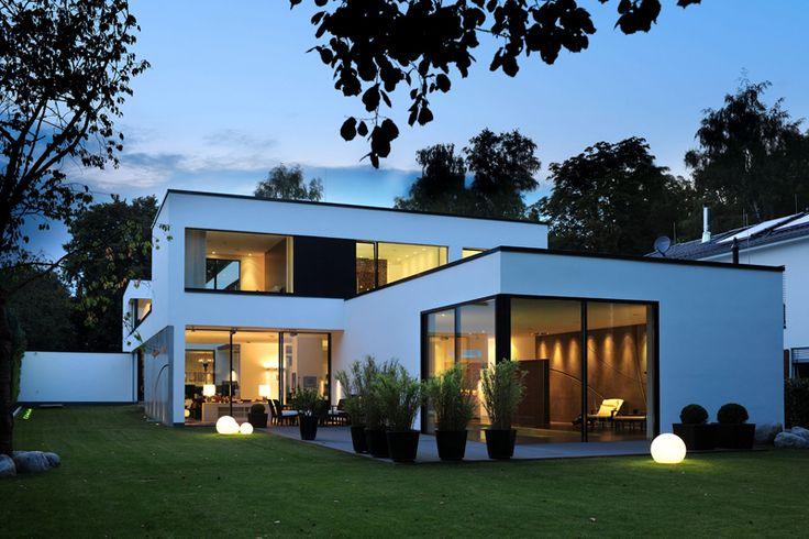 Die 25 besten ideen zu flachdach auf pinterest for Baustile einfamilienhaus