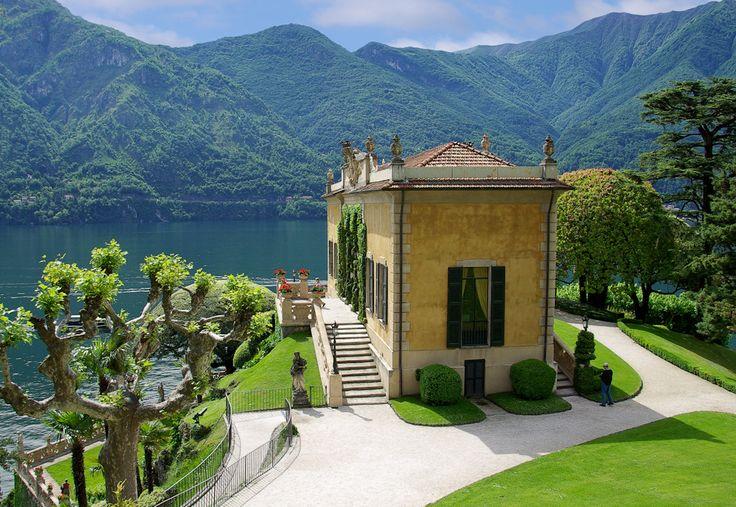 Villa Monastero loggia