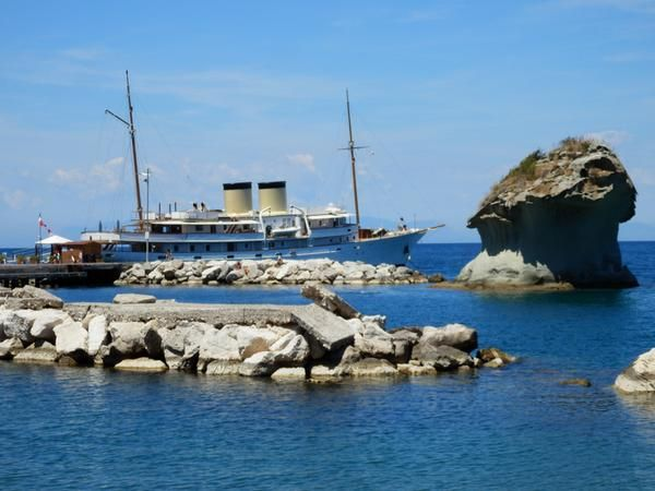 Classic #yacht Talitha in #Ischia on a lovely day of June.