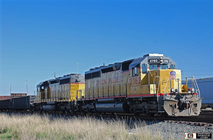 Тепловозы SD40-2-2762 и 3021 компании UP. Хьюстон (Houston), США