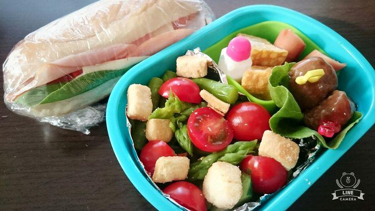 170914 お弁当 サンドイッチ シーザーサラダ ミートボール🎵
