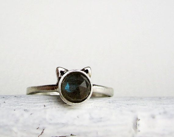 Gray Cat Ring Labradorite Sterling Silver Ring by EveryBearJewel, $59.00