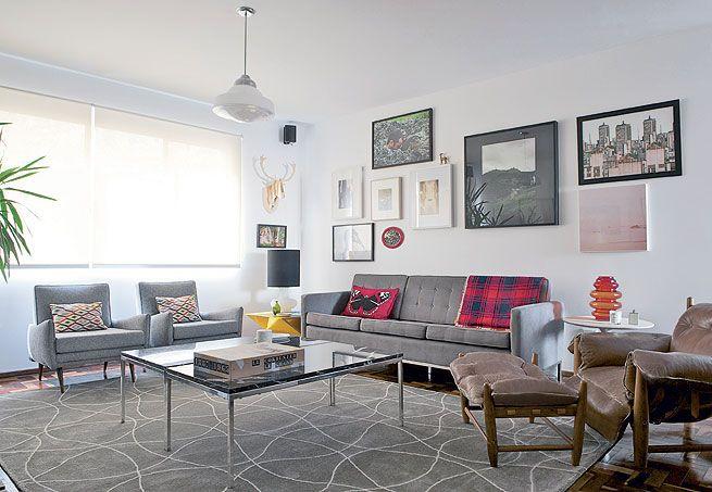 O apartamento de 100 m² foi projetado para um homem que curte móveis modernos e arte. Sem excessos, a decô enfatiza as obras e as peças de design escolhidas a dedo, em uma atmosfera que envolve tons neutros. O projeto é do arquiteto Matheus Ribeiro