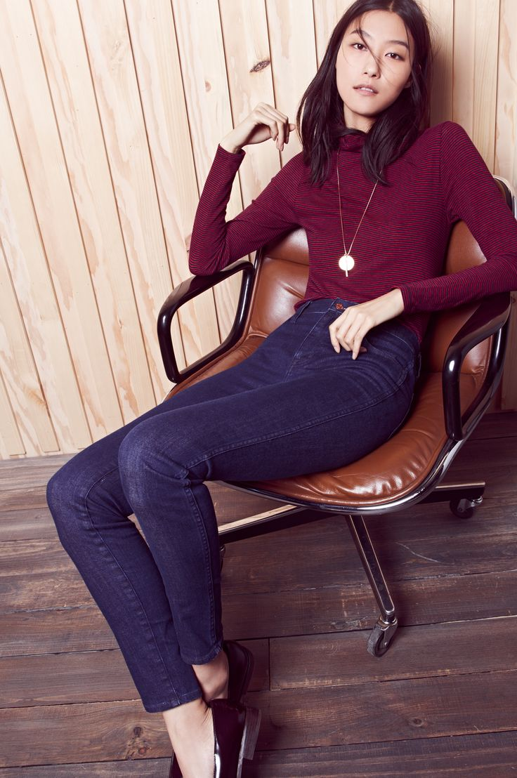 """madewell 10"""" high riser skinny skinny jeans worn with the slim turtleneck + echoscape necklace. #denimmadewell"""