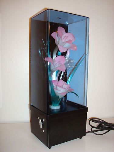 Vintage 1980's Fiber Optic Flower Lamp. Funny that its considered vintage but i had this EXACT one lol