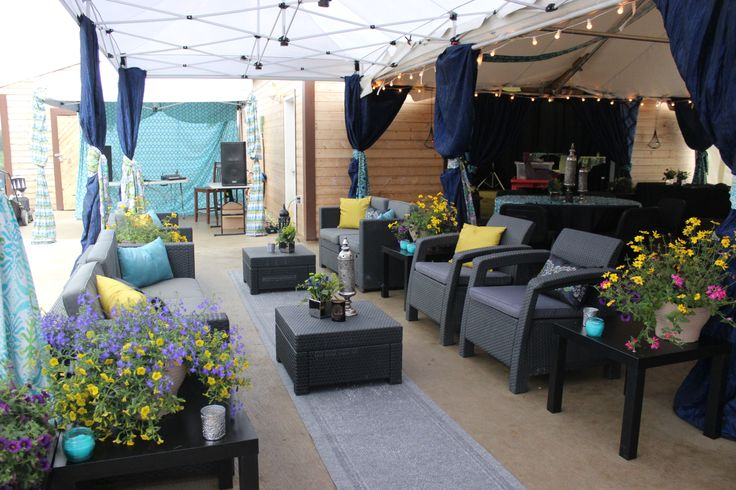 Shantug pillows in turquoise, navy, and bright yellow added a luxury touch to seating areas.